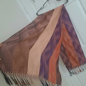 Multicolor scarf with tassels